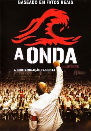 Poster do filme A Onda com pessoas em um ginasio com as mãos levantadas