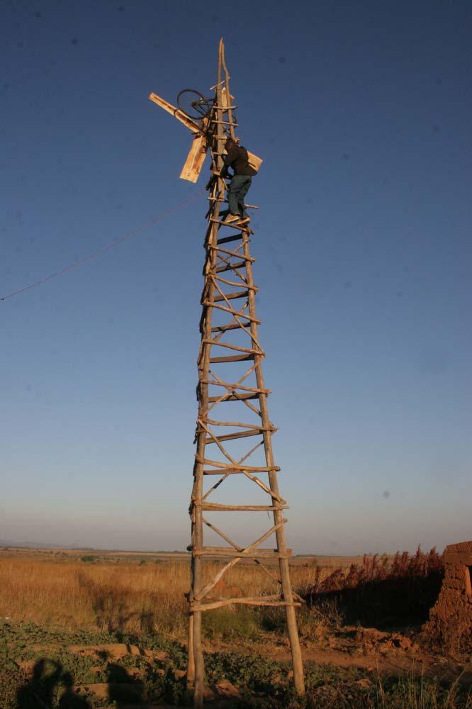 Gerador eólico construído por William